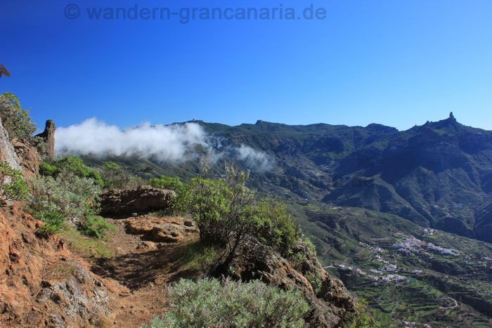Walking to Moriscos, views to Roque Nublo and Pico de las Nieves